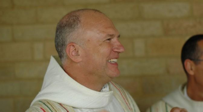 Un moine souriant