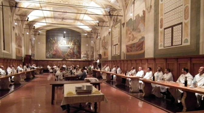 Repas dans le réfectoire de Monte Oliveto lors d'une réunion du Chapitre Général