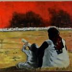 Femme avec enfant devant scène de guerre lointaine