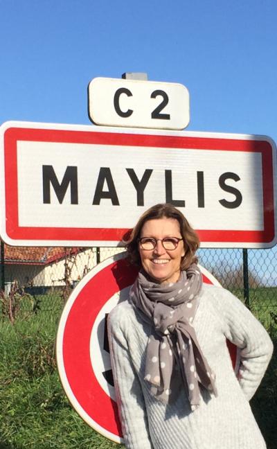 Maylis R