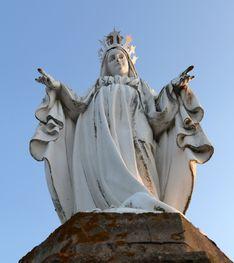 Statue en haut du clocher de la Grande église - XXe siècle