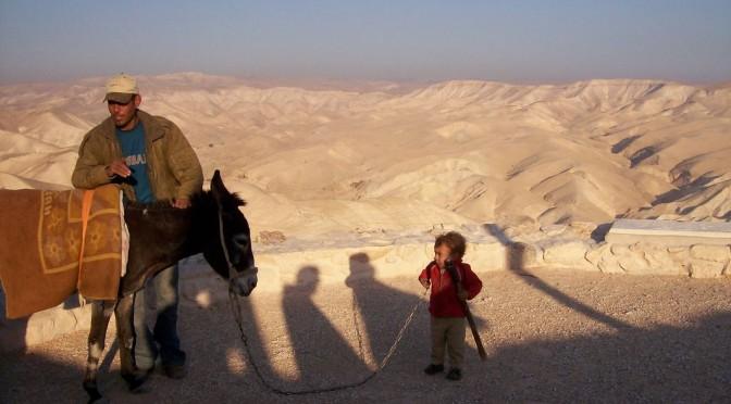Bedouin avec enfant et ane