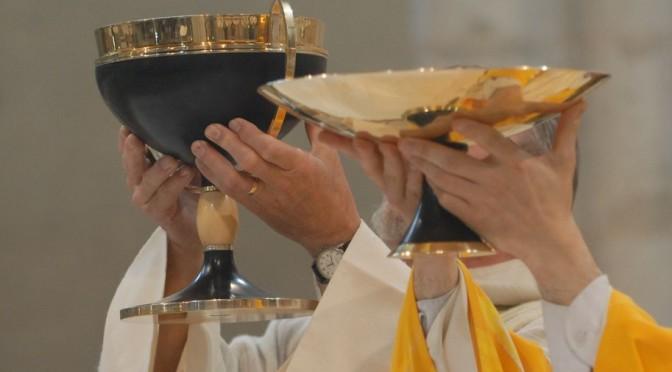 Offrance du Corps et du Sang du Christ