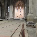 tuyaux de cuivre dans la nef de l'église
