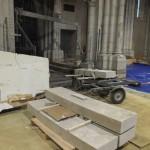 grandes pierres taillées dans l'église de Maylis
