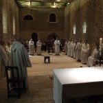 la communauté, pendant la prière litanique