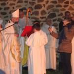 le père abbé près de feu pascal avec le micro RCF