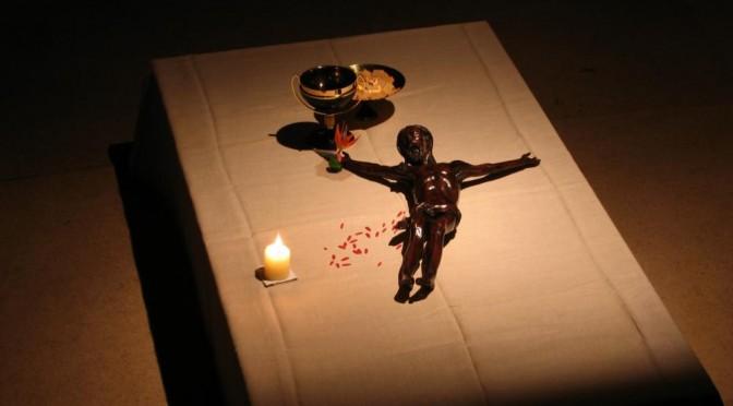 reposoir Jeudi saint, Christ allongé avec calice et patène