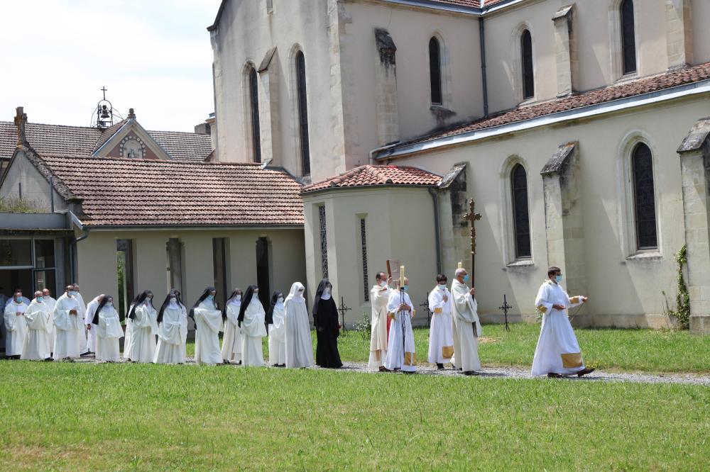 départ en procession