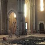 Passage de la lumière à travers une arche auparavant fermée