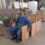 fr Antoine assis dans une stalle