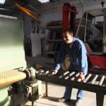 Fr Antoine sur une machine à bois